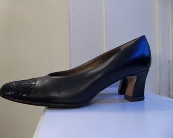 Roberto Capucci Leather Dark Navy Blue Heels // Narrow 6.5 // Snakeskin Toe 1960s Vintage Deadstock
