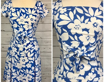 Medium vintage blue floral dress - vintage medium floral dress - vintage spring dress size medium- vintage summer dress medium