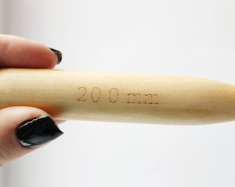 20 mm Bamboo Knitting Needles for thick chunky yarn