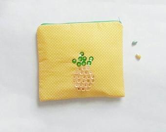 Makeup pouch Makeup kit