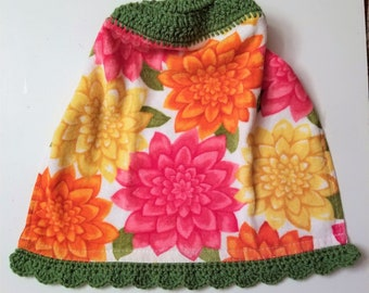 Floral Crochet Top Hanging Kitchen Towel With Decorative Bottom Edge