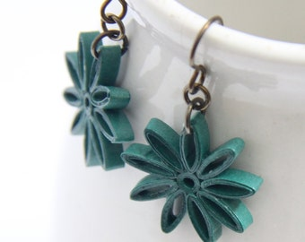 Small Star Earring Dark Emerald Green Nine Pointed Star Niobium Earring Hooks Eco Friendly hypoallergenic
