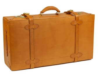 "Weekender Leather 28"" Suitcase Vintage Styling by Camden LeatherWorks"