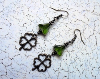 Green and Brass St Patrick's Day Shamrock Earrings (2535)