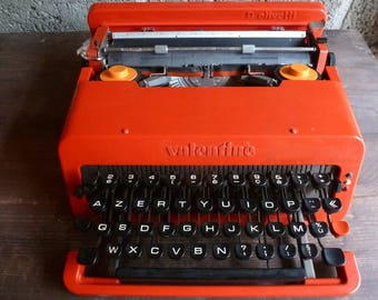 Valentine - OLIVETTI typewriter