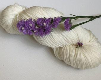 Hand Dyed Merinocashnylon 80/10/10 Superwash Merino Cashmere Nylon Sport Weight Knitting 382yard Vanilla