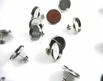 20 Pcs Earring Posts With Butterfly Earnuts Silver Color (14mm Tray)- Size: 16mm Diameter, 14mm Inner Tray Diameter, Pin 1mm EAR012
