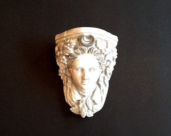 Vintage Plaster Head Wall Bracket with a Silvery Grey Wash Finish