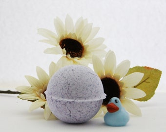 kids bath bomb/duck bomb/lavender bath bomb/bath bomb with toy inside/bath bomb/duck toy/bath bomb for kids/rubber duck toy/ rubber duck