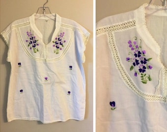 Vintage 70's Thai crochet Embroidered Top M