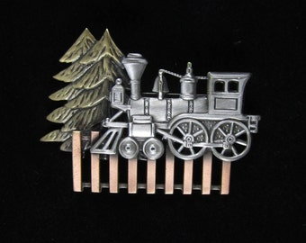 Old Fashioned Train Brooch-Trains- Train Pin- mixed metal jewelry