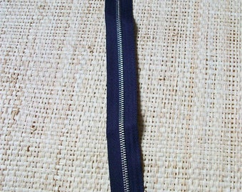 Size 23cm, purple zipper