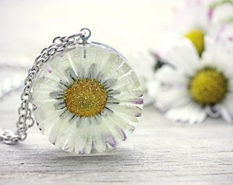 Daisy Necklace Nature Lover Gift For Her Botanical Gardening Pendant Spring Jewelry Pressed Flower Fairy Garden Eco Friendly Resin Botanist