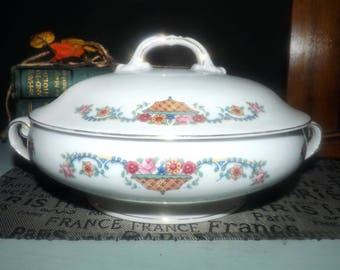 Quite vintage (c. late 1930s) Victoria China Czechoslovakia pattern 264 covered vegetable bowl   tureen. Flowers in baskets.