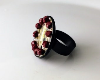 Statement fingerring with snakeshed and beads sealed in gloss lacquer. Taxidermy jewelry. Goth fingerring. Burning Man oddity fingerring.