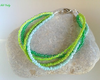 Bracelet green shaded seed beads