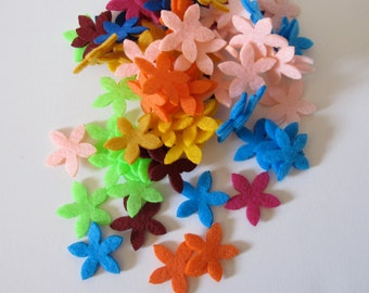 100 mini daisies useful for inners for your flowers 1/8 inch or 2 cm