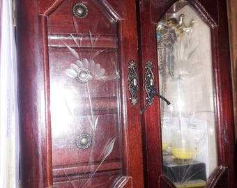 Standup Jewelry Box