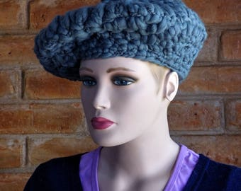 Merino Wool Beret in gunmetal blue
