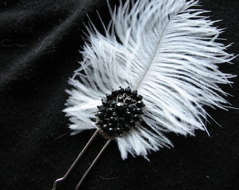 Black and white | hair pin | ostrich feather | fascinator | elegant | rhinestone