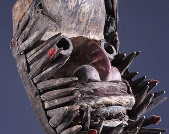 Little tribal African art 10706 mask