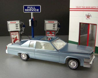 1977 Cerulean Blue Firemist Cadillac Dealer Promotional Model Car