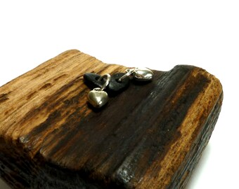 Genuine Drilled Beach Stones Pair INDUSTRIAL HEARTS Jewelry Black Pebbles Charms Wave Tumbled Jewelry diy Supplies Authentic Finding