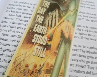 The day the Earth stood still, sci-fi movie poster bookmark, book accessory, handmade