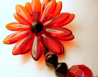 Red and Black Daisy Necklace