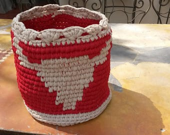 Basket crochet Bull Head decor