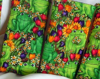 Frog Quilted Soft-Sided Sun glass Cozy, Frogs and Flowers Eye Glass Case, Green Eye Glass Case, Handmade Eye Glass, Quilted Eye Glass Case