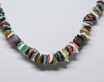 Lovely chip stone beaded necklace