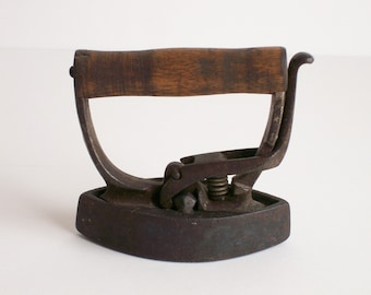 Vintage Sad Iron, Child's Iron, Miniature Toy Iron