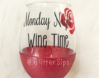 Bachelor/Bachelorette Rose Glitter Wine Glass // Stemless Wine Glass // Accept this Rose // Wine Time // Wine Glass // Monday Night // Rose