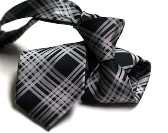 Tie (3 inch) in Plaids with Black and Grey
