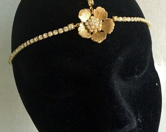 Beach wedding  - Hair chain  - Gold forhead jewellery - flower headpiece - Bo ho