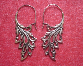 Bali Sterling Silver Earrings / silver 925 / Balinese handmade jewelry / floral design / 2 inches long / (#142m)