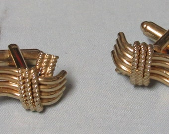 Gold tone twisted rope Knot Cufflinks