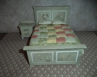 1:12 dollhouse miniature painted Country/Sabby Chic full size bed