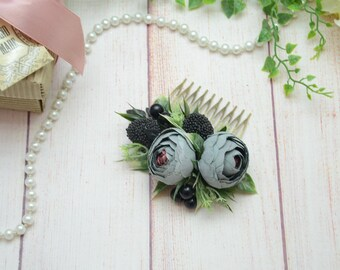Gray Flower hair comb, Bridal floral comb, Floral accessories, Bridesmaid comb, Flowers in hair, Hair accessories, Gray accessory, Outdoors