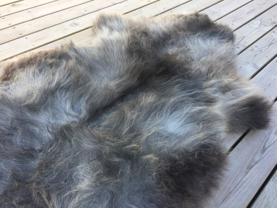 Real natural Sheepskin rug supersoft rugged throw from Norwegian norse breed medium locke length sheep skin grey gray brown 18086