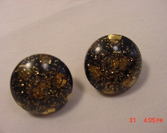 Vintage Black With Gold Confetti Clip On Earrings  18 - 794  C