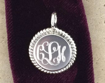 Personalized Round Sterling Silver Engraved Monogram Charm Pendant 07956