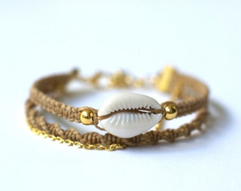 Cowrie Shell Tan Bracelet.