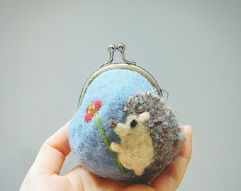 hedghog goods/hedghog coin purse/woolfelt coin purse/Accessory case/character goods/