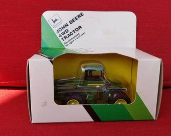 Free Shipping!! John Deere Die Cast 8850 4WD Tractor 1/64 Scale NOS