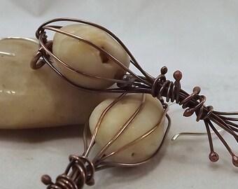 """Boucles d'oreilles en cuivre Pebble """"cage"""" terreux"""