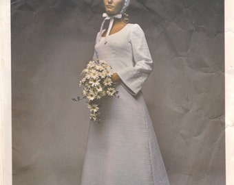 Simple High Waisted Wedding Gown Pattern Vogue Bridal Design 2253 Size 10