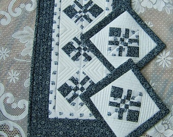 Blue and White Miniature Wall Hanging or Table Topper With 2 Pot Holders (Item # 251)