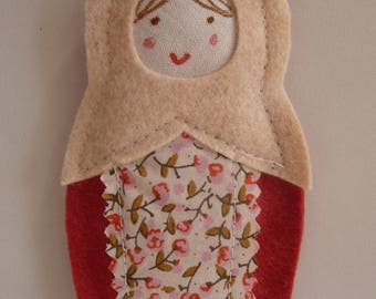 Russian doll felt hanging / raspberry and beige